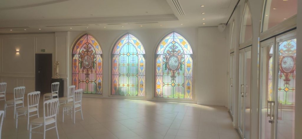 salle vitraux chateau